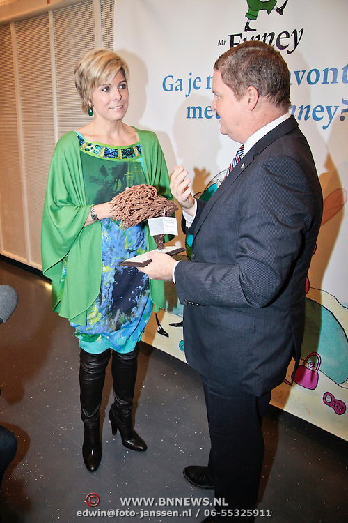 NLD/Rotterdam/20110202 - Boekpresentatie Mr. Finney door pr. Laurentien, en Mike Eman, minister president van Aruba
