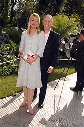 SIAN LLOYD and her husband JONATHAN ASHMAN at the 2008 Chelsea Flower Show 19th May 2008.<br /><br />NON EXCLUSIVE - WORLD RIGHTS