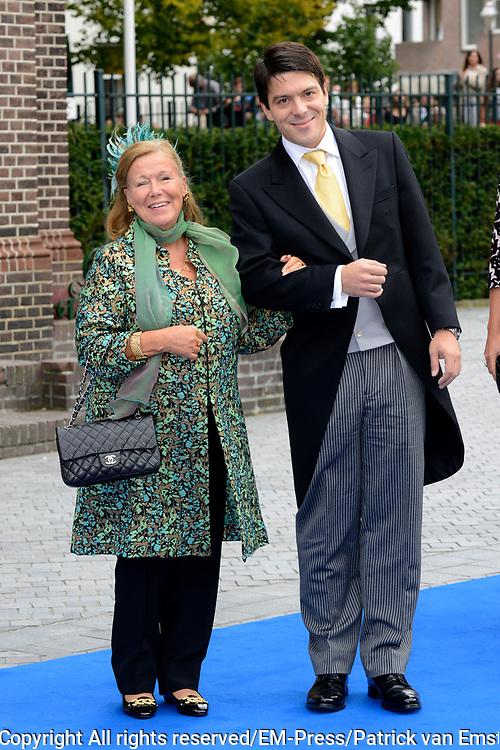 Bruiloft van Vikt&oacute;ria Cserveny&aacute;k met prins Jaime de Bourbon de Parme in de Onze Lieve Vrouwe ten Hemelopnemingkerk, Apeldoorn.<br /> <br /> Wedding of Viktoria Cserveny&aacute;k with Prince Jaime de Bourbon Parme in Our Lady at Ascension Church, Apeldoorn.<br /> <br /> Op de foto / On the photo: <br /> <br /> <br /> <br />  Prinses Christina en Bernardo Guillermo / Princess Christina and Bernardo Guillermo
