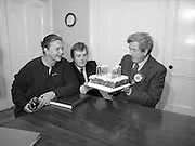 Garret Fitzgerald Birthday.1982.09.02.1982..02.09.1982..9th February 1982.Garret Fitzgerald celebrates his 56th birthday.Image,shows Garret taking time from the hustings to celebrate his birthday with wife,Joan and son,Mark