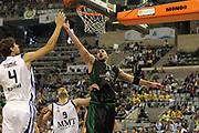 DESCRIZIONE : Barcellona Barcelona Eurolega Eurolegue 2010-11 Final Four Finale 3-4 Posto Final 3rd-4th Place Real Madrid Montepaschi Siena<br /> GIOCATORE : Milovan Rakovic<br /> SQUADRA : Montepaschi Siena<br /> EVENTO : Eurolega 2010-2011<br /> GARA : Real Madrid Montepaschi Siena<br /> DATA : 08/05/2011<br /> CATEGORIA : rimbalzo<br /> SPORT : Pallacanestro<br /> AUTORE : Agenzia Ciamillo-Castoria/ElioCastoria<br /> Galleria : Eurolega 2010-2011<br /> Fotonotizia : Barcellona Barcelona Eurolega Eurolegue 2010-11 Final Four Finale 3-4 Posto Final 3rd-4th Place Real Madrid Montepaschi Siena<br /> Predefinita :