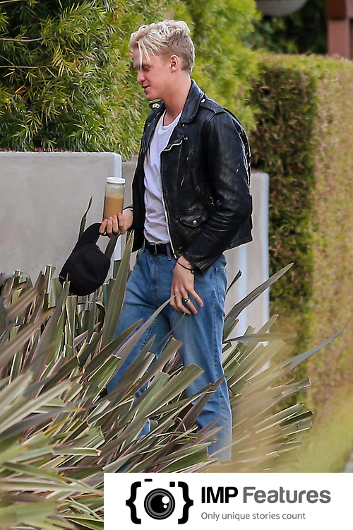 Cody Simpson Shows Off New Haircut Amp James Dean Inspired Look Hw H