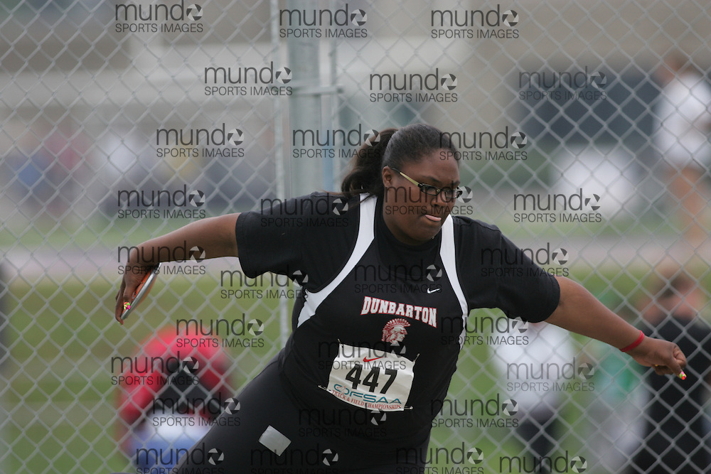 (London, Ontario}---03 June 2010) Rayann Chin of Dunbarton - Pickering competing in the discus at the 2010 OFSAA Ontario High School Track and Field Championships. Photograph copyright Sean Burges / Mundo Sport Images, 2010.