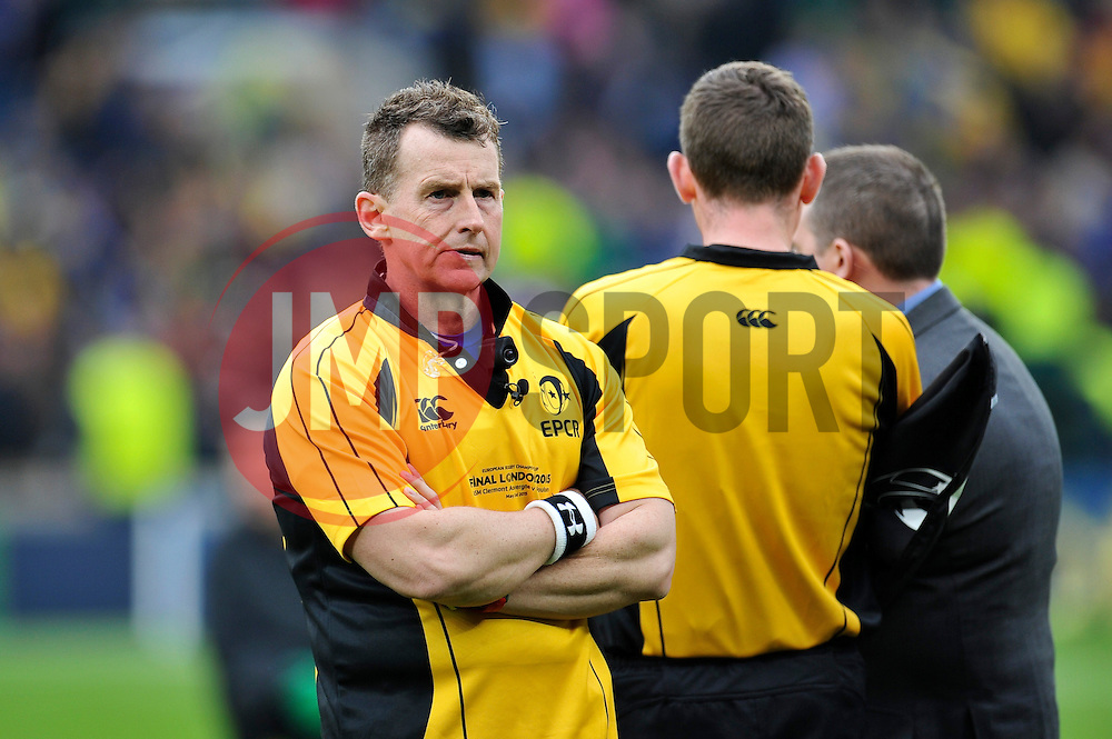 Referee Nigel Owens - Photo mandatory by-line: Patrick Khachfe/JMP - Mobile: 07966 386802 02/05/2015 - SPORT - RUGBY UNION - London - Twickenham Stadium - ASM Clermont Auvergne v RC Toulon - European Rugby Champions Cup Final