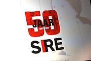 Koning Willem Alexander bij vijftigjarig jubileum SIRE - Stichting Ideele Reclame in het Tropenmuseum, Amsterdam<br /> <br /> Op de foto: