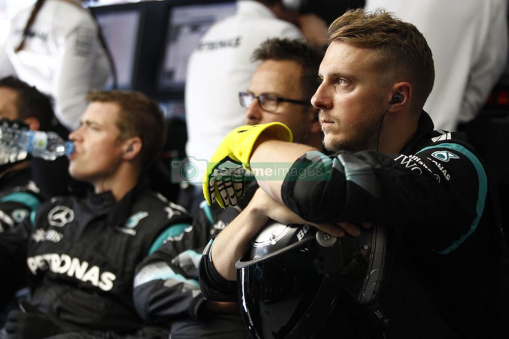 August 28, 2016 - Spa Francorchamps, Belgium - Motorsports: FIA Formula One World Championship 2016, Grand Prix of Belgium, .mechanic of Mercedes AMG Petronas Formula One Team  (Credit Image: © Hoch Zwei via ZUMA Wire)
