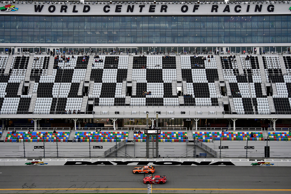 IMSA Continental Tire SportsCar Challenge<br /> BMW Endurance Challenge at Daytona<br /> Daytona Beach, Florida, USA<br /> Friday 26 January 2018<br /> #56 Murillo Racing, Mercedes-AMG, GS: Jeff Mosing, Eric Foss, #92 Ramsey Racing, Mercedes-AMG, GS: Mark Ramsey, Alexandre Premat<br /> World Copyright: Scott R LePage<br /> LAT Images<br /> <br /> ref: Digital Image _SRL2194