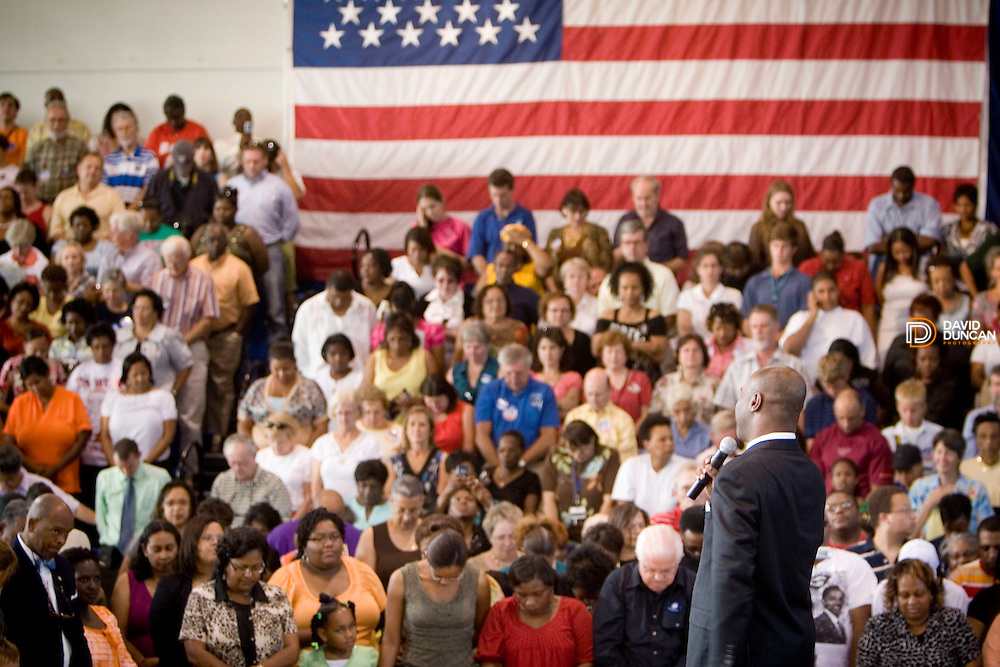 Sen. Barack Obama held a town hall meeting in the E.C. Glass High School gymnasium in Lynchburg, VA Wednesday night, August 20, 2008 to a full house of about 2,000 people. Democratic Candidate Obama's theme was about keeping jobs in America..Photo by David Duncan-http://www.davidduncan.com