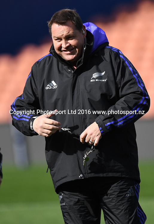 Coach Steve Hansen during an All Blacks training session in Hamilton ahead of the The Rugby Championship test match against Argentina. Thursday 8 September 2016. © Copyright Photo: Andrew Cornaga / www.Photosport.nz