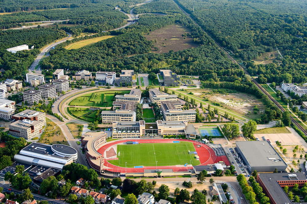 Nederland, Noord-Holland, Hilversum, 05-08-2014; bedrijventerrein Arenapark met onder andere hoofdkantoor Nike en atletiekbaan<br /> Arena Business Park, Nike headquarters and athletics track.<br /> aerial photo (additional fee required);<br /> copyright foto/photo Siebe Swart.