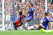 Nathan Dyer of Swansea City scores the opening goal during the Barclays Premier League match at Stamford Bridge, London<br /> Picture by David Horn/Focus Images Ltd +44 7545 970036<br /> 13/09/2014