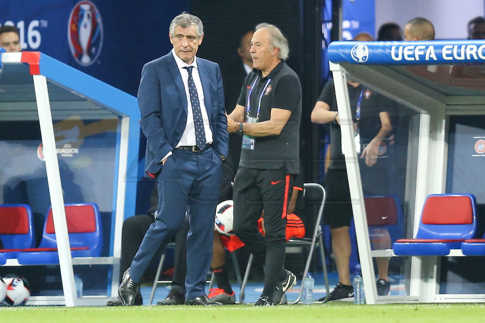 LYON, FRANCE, 06.07.2016 - PORTUGAL- WALES - Portugal Coach Fernando Santos, in a match against Wales, valid for the semi-finals of Euro 2016 at the Grand Stade de Decines-Charpieu near Lyon, France, on Wednesday - Friday (6).