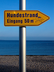 GERMANY ECKERNFOERDE 24DEC06 - Signage on the Eckernfoerder Kurstrand beach in the afternoon sun. Classic Baltic sea afternoon in good winter light...jre/Photo by Jiri Rezac....© Jiri Rezac 2006