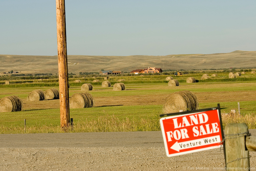 PINEDALE, WY - Land for sale just outside of Pinedale, WY, a town of 1400 residents which is the governing seat of Sublette County whose residents number 6400 on August 20, 2005. Farms and ranches are being broken up and sold typically as two, five, 10, and 20 acre lots on septic systems and well water. One of the local sayings is that the escalating real estate prices are a result of the billionaires moving into nearby Jackson, WY, who are pushing out the millionaires who then move to Pinedale. According to realtor Travis Bing, anything one 'would want to buy' starts at about $200,000 with many homes selling for $450,000 and up. Pinedale currently has the lowest unemployment rate in the state and is experiencing another boom cycle both in real estate and in energy as natural gas production in two nearby gas fields ramps up for year-round production.