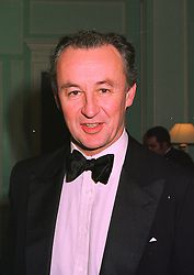 The DUKE OF ROXBURGHE at a dinner in London on 6th January 1998.MEJ 19