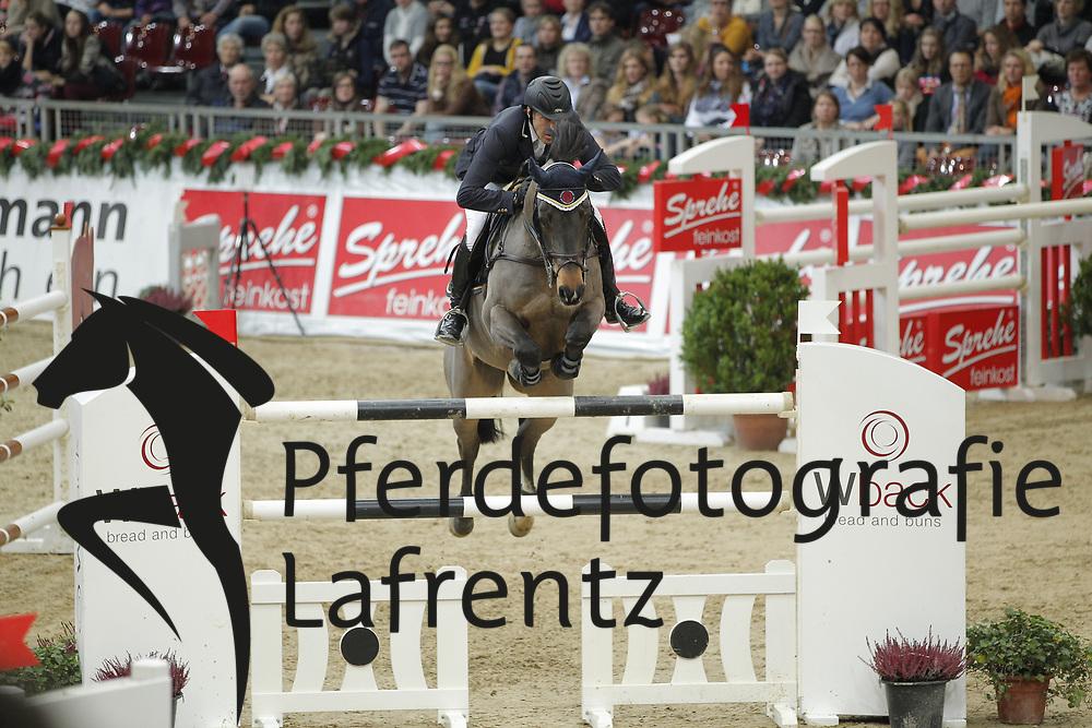 Knippling, Andreas, Cassius<br /> Oldenburger Pferdetage 2012<br /> © www.sportfotos-lafrentz.de/ Stefan Lafrentz