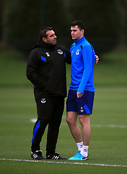 Everton Caretaker Manager David unsworth talks to Michael Keane during the training session at Finch Farm, Liverpool. PRESS ASSOCIATION Photo. Picture date: Wednesday November 22, 2017. See PA story SOCCER Everton. Photo credit should read: Peter Byrne/PA Wireduring the training session at Finch Farm, Liverpool. PRESS ASSOCIATION Photo. Picture date: Wednesday November 22, 2017. See PA story SOCCER Everton. Photo credit should read: Peter Byrne/PA Wire