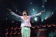 (c)1999 Matt Stroshane.Matt_stroshane@hotmail.com..Lenny Kravitz at Coral Sky Amphitheatre, West Palm Beach, Florida