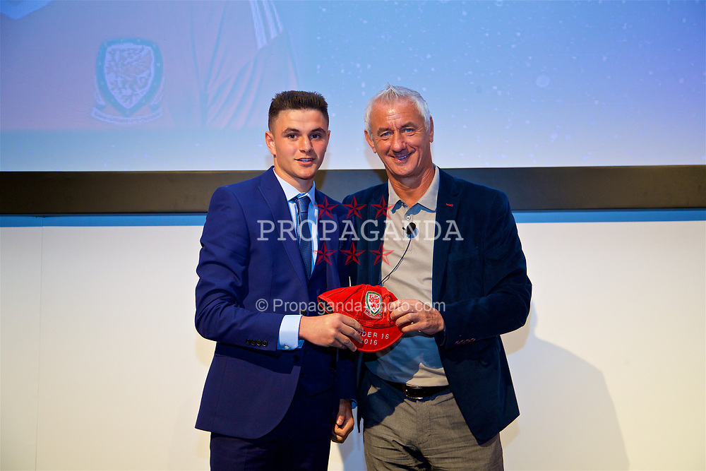 NEWPORT, WALES - Saturday, May 27, 2017: Steffan Bulkeley receives his Under-16 Wales cap from Wales' Elite Performance Director Ian Rush at the Celtic Manor Resort. (Pic by David Rawcliffe/Propaganda)