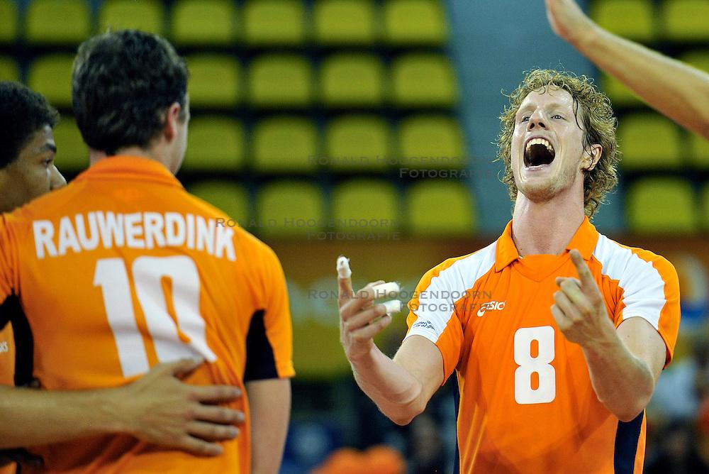 03-09-2011 VOLLEYBAL: PRE OKT NEDERLAND - ROEMENIE: EINDHOVEN<br /> Kay van Dijk<br /> &copy;2011-FotoHoogendoorn.nl