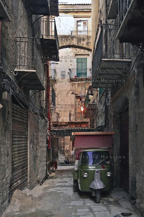 Palermo: alley in Vucciria district.<br /> Palermo: vicolo della Vucciria