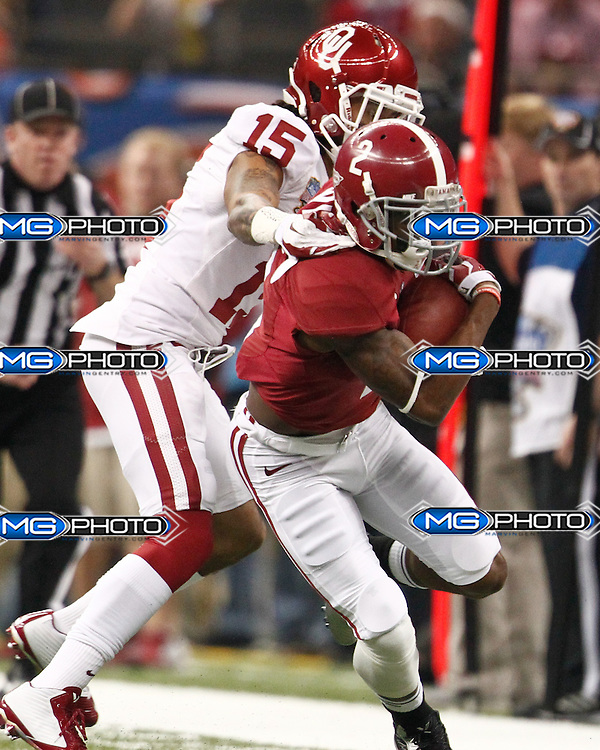 January 2, 2014; New Orleans, LA, USA; Alabama Crimson Tide wide receiver DeAndrew White (2) is grabbed by Oklahoma Sooners defensive back Zack Sanchez at Louisiana Superdome. Mandatory Credit: Marvin Gentry