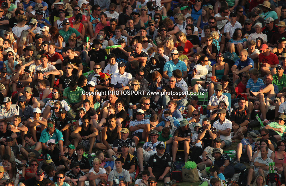 The crowd pack in on the bank at Seddon Park.<br />3rd one day international. New Zealand Black Caps versus Australia one day Chappell Hadlee cricket series. Seddon Park, Auckland, New Zealand. Tuesday 9 March 2010. Photo: Andrew Cornaga/PHOTOSPORT
