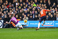 Danny Green of Luton Town scores the opening goal against Barnet during the Sky Bet League 2 match at Kenilworth Road, Luton<br /> Picture by David Horn/Focus Images Ltd +44 7545 970036<br /> 14/11/2015