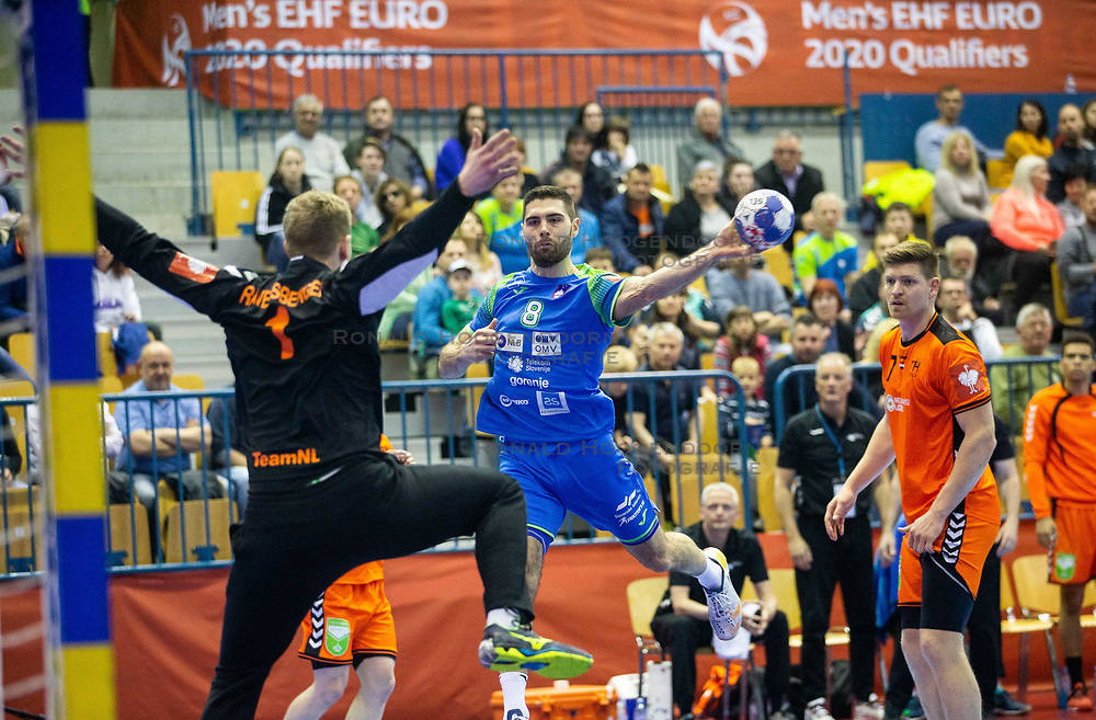 14-04-2019 SLO: Qualification EHF Euro Slovenia - Netherlands, Celje<br /> Bart Ravensbergen of Netherlands vs Blaz Janc of Slovenia during handball match between National teams of Slovenia and Netherlands in Qualifications of 2020 Men's EHF EURO