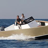 Smartboat 23 : less wave, less fuel, less noise