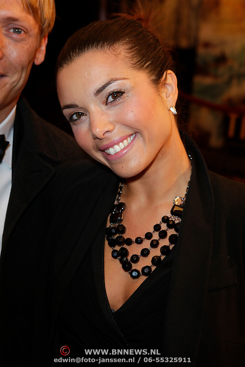 NLD/Amsterdam/20111024 - Premiere The Adventures of Tintin, Nora Dalal en partner