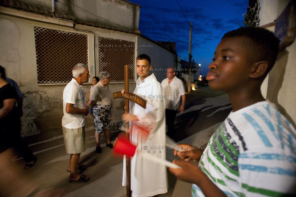 Roma, 15/08/2011: la processione all' Idroscalo di Ostia in occasione della festa dell'Assunta<br /> &copy;Andrea Sabbadini