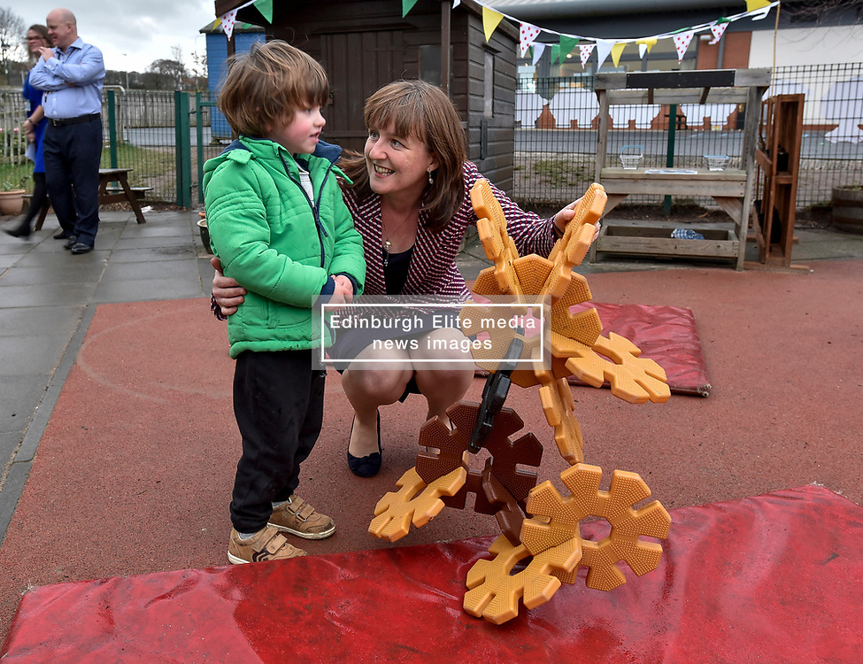 Pictured: Maree Todd meets Lachlan McGurk (3) from Inverkeithing.<br /> <br /> Minister for Children and young people Maree Todd launched the Scottish Government's new national standards for childcare and early years providers on a visit to the Treetop Family Centre in Inverkeithing.<br /> <br /> © Dave Johnston / EEm