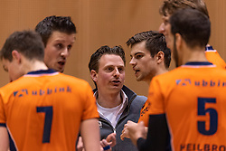14-04-2019 NED: Achterhoek Orion - Draisma Dynamo, Doetinchem<br /> Orion win the fourth set and play the final round against Lycurgus. Dynamo won 2-3 / Coach Martijn van Goeverden of Orion
