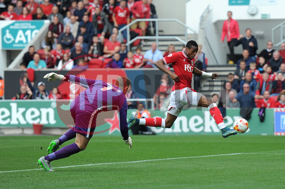 Jonathan Kodjia of Bristol City scores to make it 1-0 - Mandatory byline: Dougie Allward/JMP - 07966 386802 - 03/10/2015 - FOOTBALL - Ashton Gate - Bristol, England - Bristol City v MK Dons - Sky Bet Championship