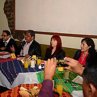 Toluca, México.- El Secretario General del SUMAEM, Luis Zamora Calzada, anuncio que capacitaran a 60 miembros de esa organización, quienes fungirán como promotores del voto y posteriormente observadores electorales en la jornada del 7 de junio. Agencia MVT / Crisanta Espinosa