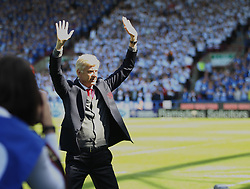 Arsene Wenger applauds the fans ahead of his last match in charge - Mandatory by-line: Jack Phillips/JMP - 13/05/2018 - FOOTBALL - The John Smith's Stadium - Huddersfield, England - Huddersfield Town v Arsenal - English Premier League