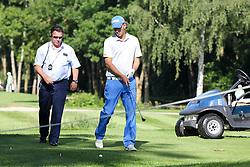 25.06.2015, Golfclub München Eichenried, Muenchen, GER, BMW International Golf Open, im Bild Marcel Siem (GER) bespricht sich mit dem Marshall wegen seiner Ballposition // during the BMW International Golf Open at the Golfclub München Eichenried in Muenchen, Germany on 2015/06/25. EXPA Pictures © 2015, PhotoCredit: EXPA/ Eibner-Pressefoto/ Kolbert<br /> <br /> *****ATTENTION - OUT of GER*****