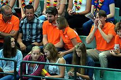 07-09-2013 VOLLEYBAL: EK VROUWEN DUITSLAND - NEDERLAND: HALLE<br /> Nederland verliest met 3-2 van Duitsland / Edzo Doeve, Joelle Staps en Martin Kersbergen<br /> &copy;2013-FotoHoogendoorn.nl