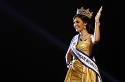 June 10, 2017 - Ei Kyawt Khaing waves after winning the crown of the Miss Myanmar World 2017 pageant in Yangon, Myanmar. (Credit Image: © U Aung/Xinhua via ZUMA Wire)