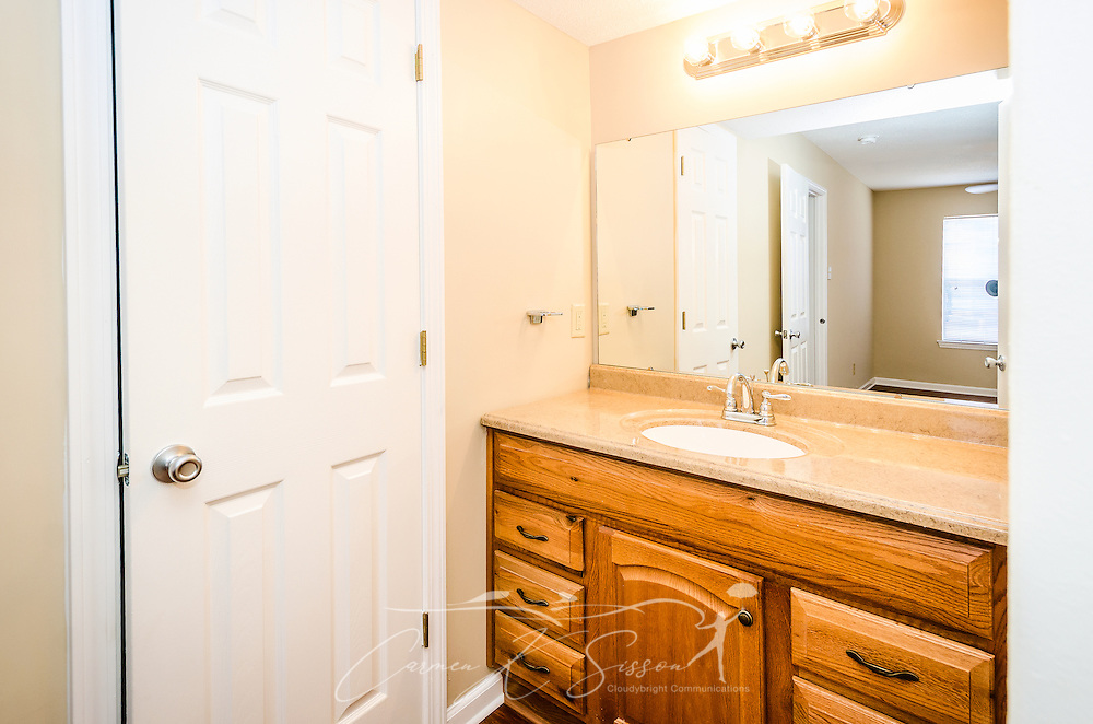 A bathroom is shown at Robinwood Apartments, June 11, 2015, in Mobile, Alabama. The one-bedroom apartments, located on Old Shell Road, are managed by Sealy Realty. (Photo by Carmen K. Sisson/Cloudybright)