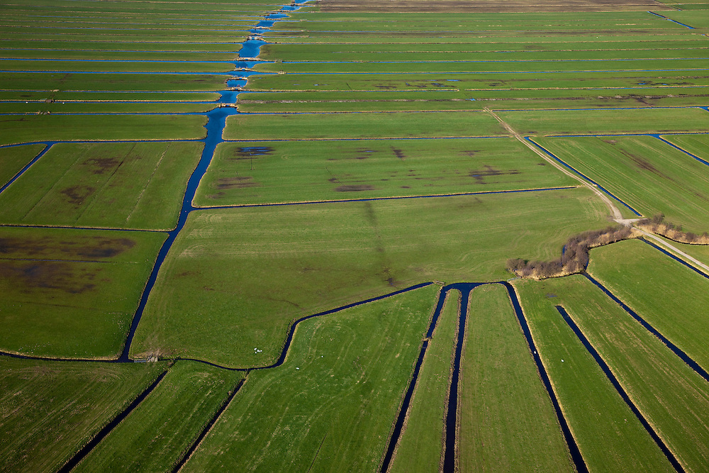 Nederland, Zuid-Holland, Gemeente Bodegraven, 20-03-2009; Noordzijderpolder. Verkaveling in het Groene Hart, de sloten en weteringen maken onderdeel uit van de waterhuishouding in het veenweidegebied ontstaan ten gevolge van het afgraven van turf. Land division. Ditches and watercourses are part of the water in the peat meadow area arised from the stripping of peat..Swart collectie, luchtfoto (toeslag); Swart Collection, aerial photo (additional fee required).foto Siebe Swart / photo Siebe Swart