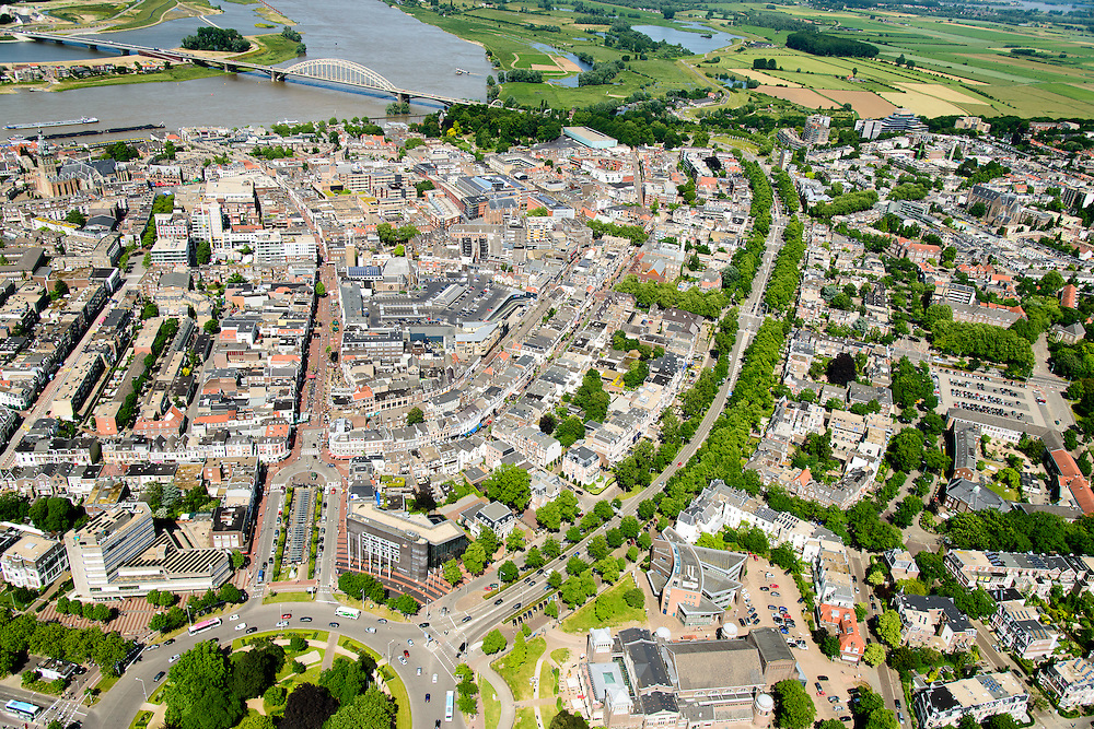 Nederland, Gelderland, Nijmegen, 09-06-2016; binnenstad Nijmegen. Keizer Karelplein en Oranjesingel.<br /> Town of Nijmegen, inner city.<br /> luchtfoto (toeslag op standard tarieven);<br /> aerial photo (additional fee required);<br /> copyright foto/photo Siebe Swart