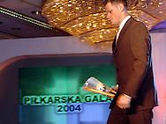 n/z.: Jacek Krzynowek - najlepszy pilkarz 2004 , Gala Tygodnika Pilka Nozna , hotel Marriott ,  sezon 2004/2005 , pilka nozna , Polska , Warszawa , 18-12-2004 , fot.: Adam Nurkiewicz / mediasport.pl..Jacek Krzynowek - best player 2004 during 2004 Best Player's ceremony of Weekly Pilka Nozna at Marriott Hotel in Warsaw. December 18, 2004 ; season 2004/2005 , football , soccer , Poland , Warsaw ( Photo by Adam Nurkiewicz / mediasport.pl )