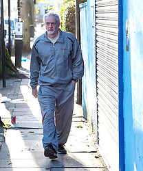 © Licensed to London News Pictures. 28/11/2015. London, UK. Labour Party leader JEREMY CORBYN  leaving home in Islington, north London this morning (Sat). Jeremy Corbyn has come under pressure from his own party over a potential vote on UK military involvement in Syria. Photo credit: Ben Cawthra/LNP