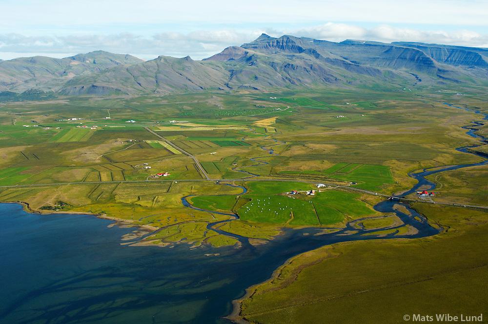Vogatungu, Leirá séð til norðurs, Skarðsheiði mountains, Leirár- og Melahreppur /.Vogatungu, river Leira viewing north, Skardsheidi, Leirar- and Melahreppur.