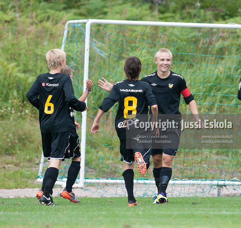 Honka - KuPS. Premier Cup. Sijat 3-4. Pajulahti 14.8.2011. Photo: Jussi Eskola
