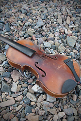 little river, wallaby rocks nsw guitar and violin 2006© photos by paul green,Klezmer Divas Album cover, Norman Isman's violin