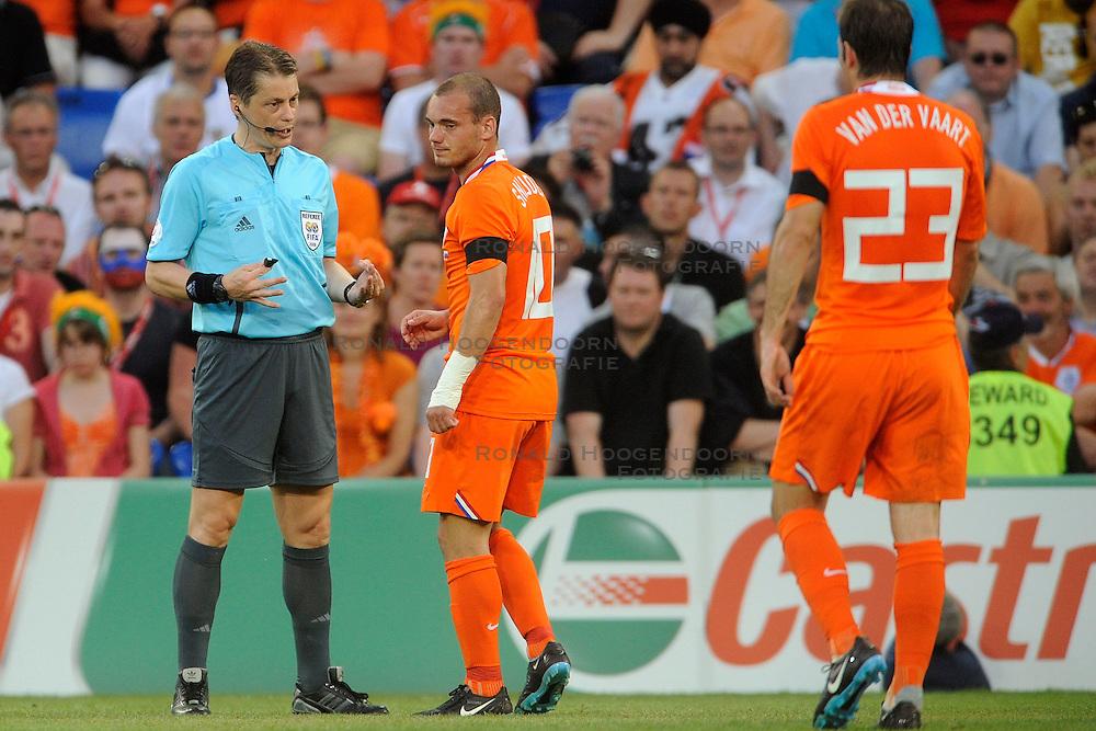 21-06-2008 VOETBAL: EURO 2008 NEDERLAND - RUSLAND: BASEL<br /> Nederland verliest in de verlenging met 3-1 van Rusland / Wesley Sneijder<br /> &copy;2008-WWW.FOTOHOOGENDOORN.NL