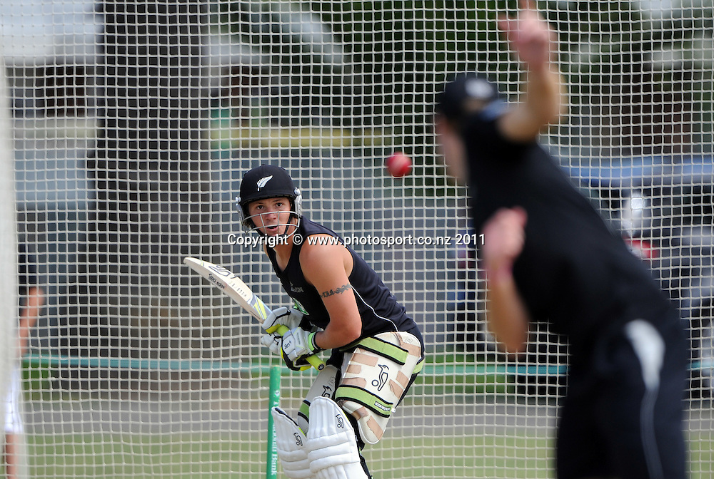 B J Watling during a Black Caps training session at Nelson Park in Napier ahead of the first cricket test against Zimbabwe starting this week. Tuesday 24 January 2012. Napier, New Zealand. Photo: Andrew Cornaga/Photosport.co.nz